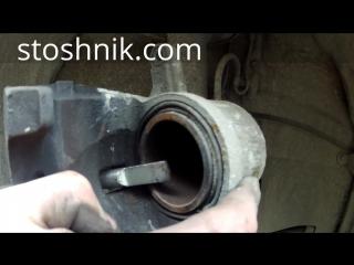 Замена передних тормозных колодок в полевых условиях Toyota Camry 6