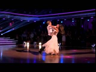 Вальс - танец любви и грации. Смотрите вальс в исполнении звёзд!