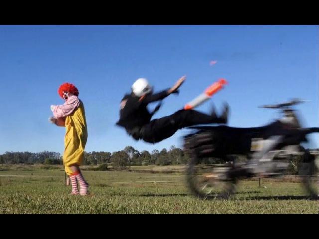 Ronald McDonald's Pizza Delivery Car Chase Рональд МакДональд против курьера Русская озвучка
