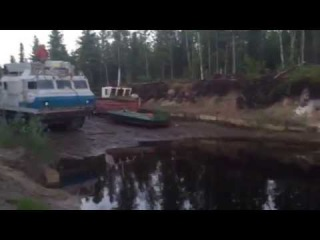 Витязь ДТ30П переплывает реку, июнь 2015 г. м/р НОВАТЭК ЯНАО