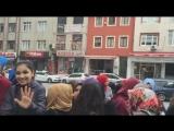 Поклонники в ожидании Баруна. Турция