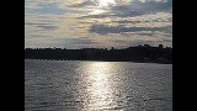 Тихо струится река серебристая...wmv