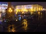 Петербуржцы выложили слово «Мама» на Дворцовой площади в память о A321