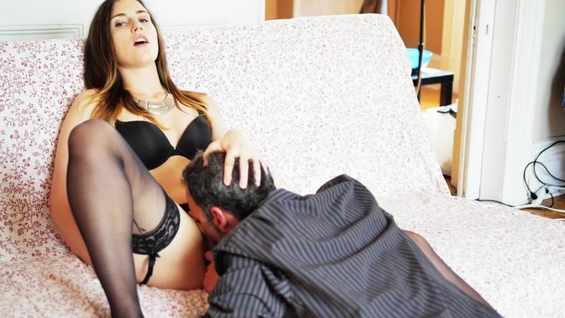Инцест дала сыну пока папа спит эротика порно жесть