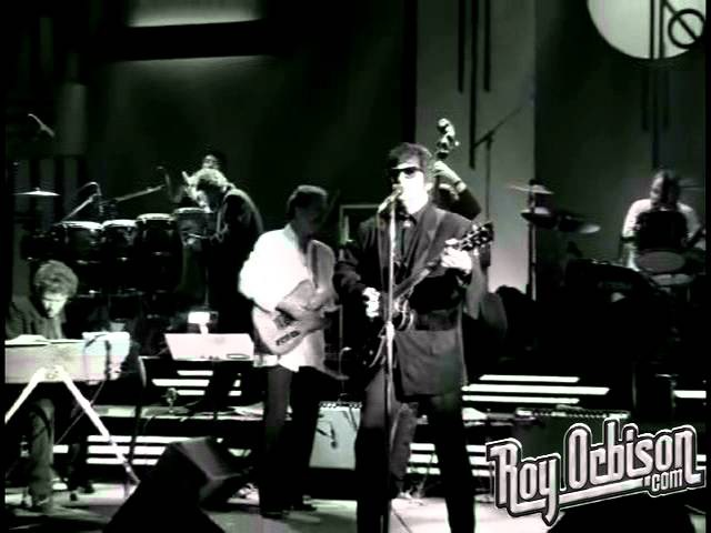 Roy Orbison - Ooby Dooby from Black and White Night