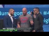 Хабиб Нурмагомедов и Тони Фергюсон - Дуэль взвглядов на пресс-конференции UFC Unstoppable