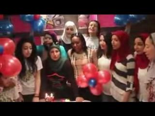Sara Khan в Твиттере- «@TeamBARUN Wwooow look Arab fans from Egypt Celebrating barun brithday with mbc bollywood this part 1iwil