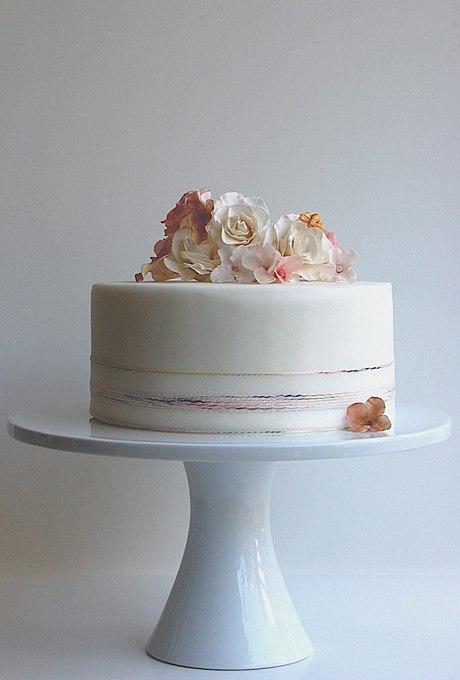 8T9mxxKR4Zo - 36 Красивейших одноуровневых свадебных тортов