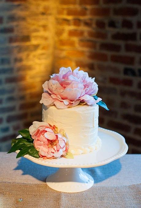 PuR9wf8ZPuo - 36 Красивейших одноуровневых свадебных тортов