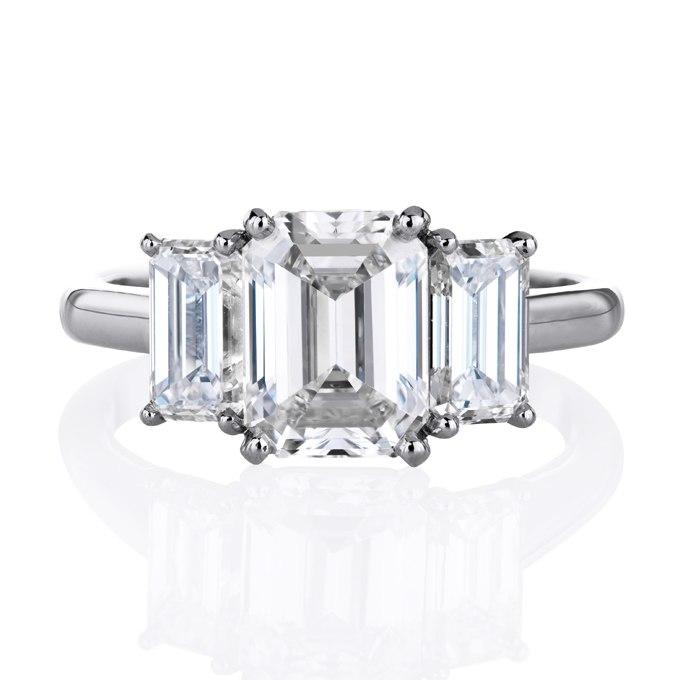 NbTB0lGI5cw - Обручальные кольца с тремя камнями (63 фото)