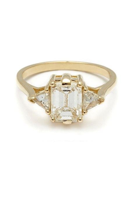 llnU7dn8e c - Обручальные кольца с тремя камнями (63 фото)