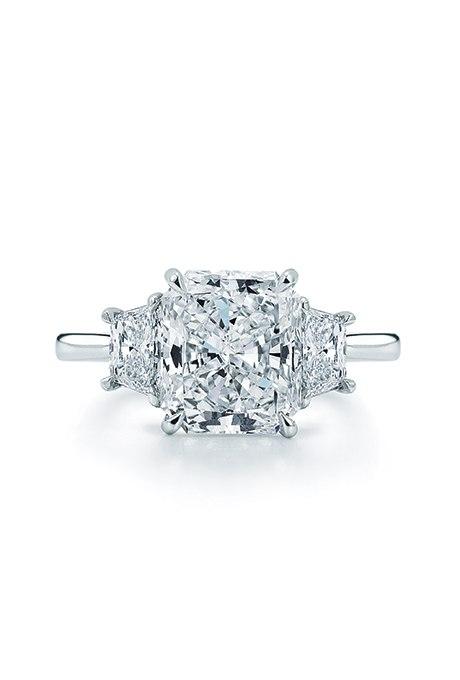 4ETF5UDwiFg - Обручальные кольца с тремя камнями (63 фото)