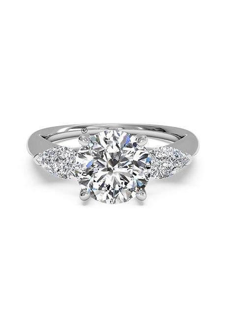 zP  UUXnlhI - Обручальные кольца с тремя камнями (63 фото)
