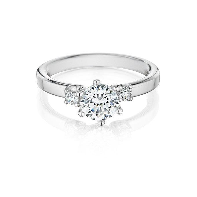 3KJrqhWjAME - Обручальные кольца с тремя камнями (63 фото)