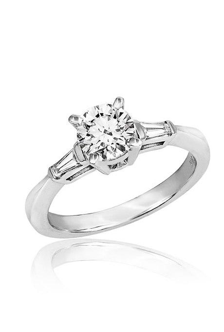 umHDqKy aCg - Обручальные кольца с тремя камнями (63 фото)