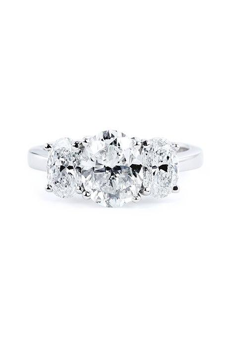 C ZWdXkbOaY - Обручальные кольца с тремя камнями (63 фото)