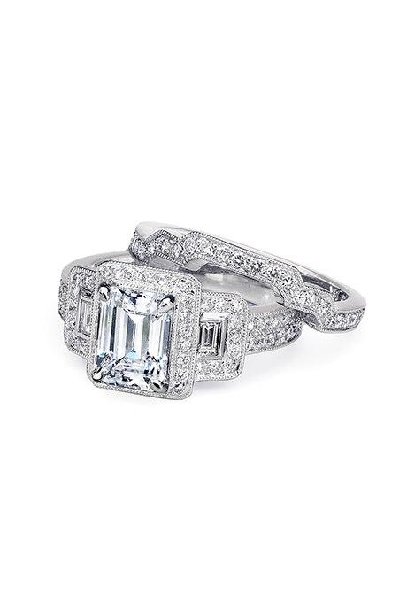 kXHzEuhuiI0 - Обручальные кольца с тремя камнями (63 фото)