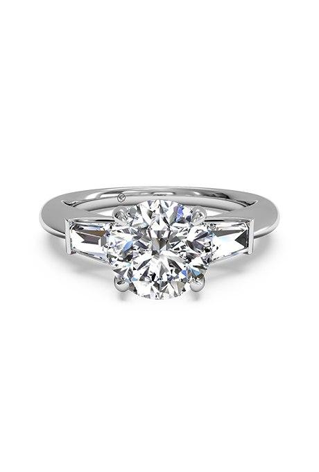 Ji 1jDnbeLM - Обручальные кольца с тремя камнями (63 фото)