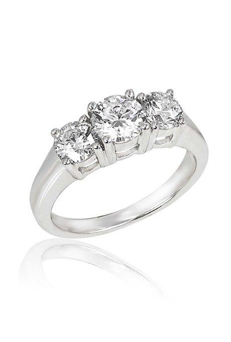 mGnApEFeWvA - Обручальные кольца с тремя камнями (63 фото)