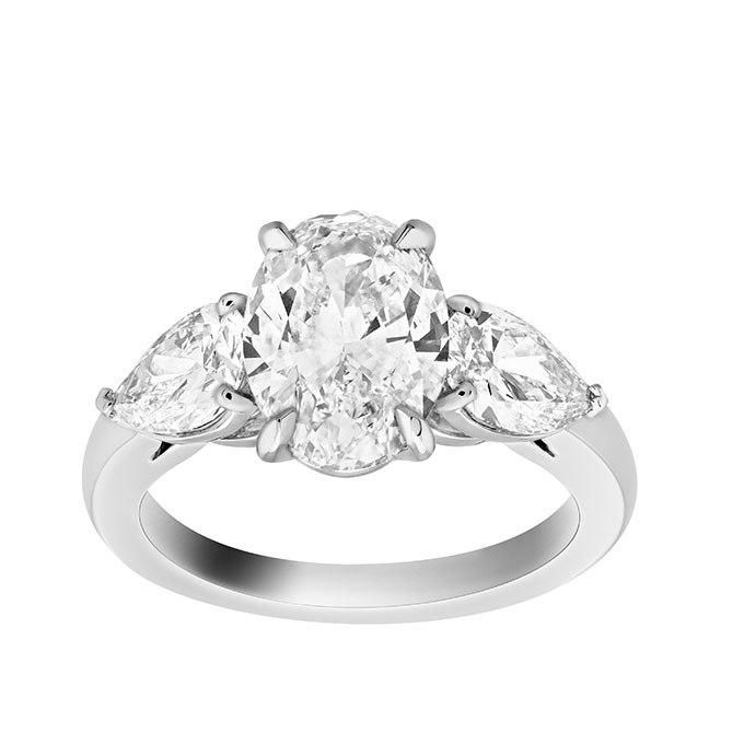 PIwAsLSXftE - Обручальные кольца с тремя камнями (63 фото)
