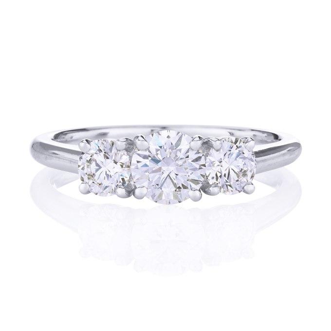 1kLTQ06NZSc - Обручальные кольца с тремя камнями (63 фото)