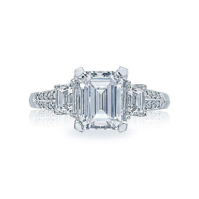 ciXZBbeJvTI - Обручальные кольца с тремя камнями (63 фото)