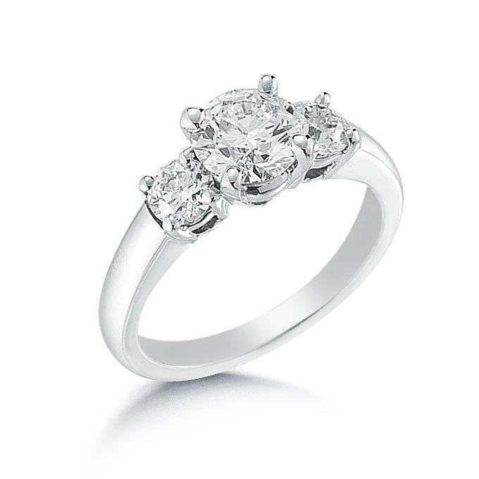 jYOkG5HUt1I - Обручальные кольца с тремя камнями (63 фото)