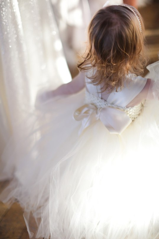 xuyo8JBoT54 - Зимняя свадьба Адама и Эмили