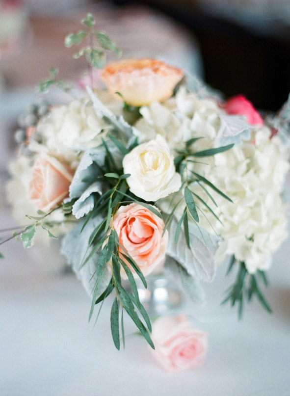Ws1lhudgEdE - Зимняя свадьба Адама и Эмили