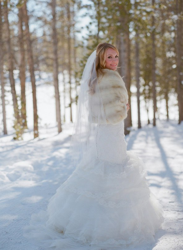 0GUOAnBlsZU - Зимняя свадьба Адама и Эмили