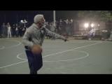 Кайри Ирвинг переоделся в старичка и показывает чудеса баскетбола (Pepsi Max)