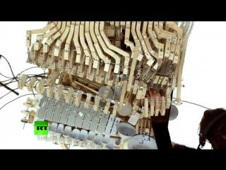 «Шарманка» нового поколения- в Швеции создали музыкальную машину с 2 тыс. стальных шариков