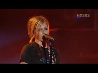 AVRIL LAVIGNE - My Happy Ending (Live in Korea 2004 ) [HD]
