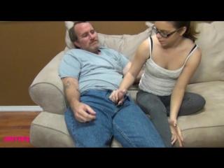 Дочка дрочит с воему папе