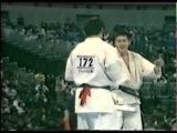 KYOKUSHIN KARATE - Tsukamoto Norichika vs Matsuda Akira.