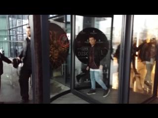 Tokio Hotel вышли из отеля в Минске