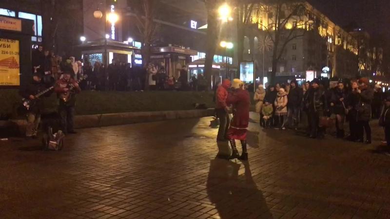 Багіня танцює