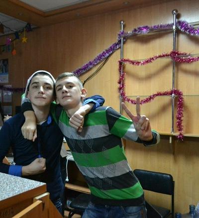 AlexSir2281488