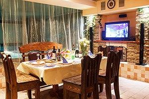 Сауна Орли, накрытый обеденный стол