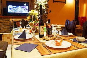 Сауна Орли, обеденный стол