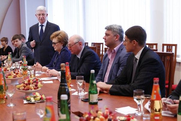 Владимир Евланов поздравил краснодарских журналистов с Днем печати
