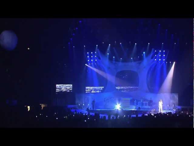 LAURA PAUSINI XMAS GIFT TRA TE E IL MARE INEDITO WORLD TOUR