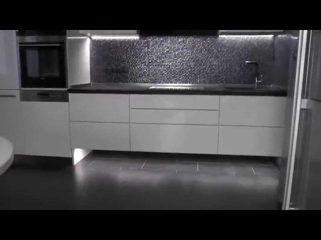 Подвесная кухня без ручек. Кухня мдф с подсветкой С электроприводом SERVO-DRIVE Cе ...