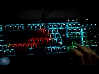 Американец превратил свою клавиатуру с подсветкой в настольную пиксельную «змейку»