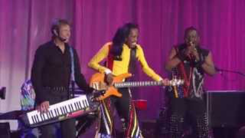 Earth, Wind Fire Chicago September Live HD)