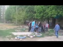 Стаханов. 03.05.2014. Толпа линчует Украинца