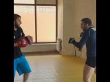 @renat_abu_ahmad on Instagram Легкая работа на лапах после борьбы с Джабаром Аскеровым