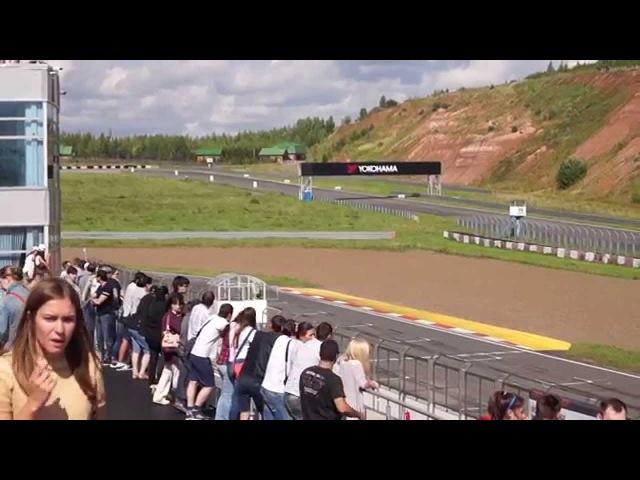 5-й этап Porsche Sport Challenge 2015 в Казани, разгар гонки