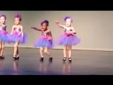 Самый смешной танец, который я только видел! Танцуют дети!