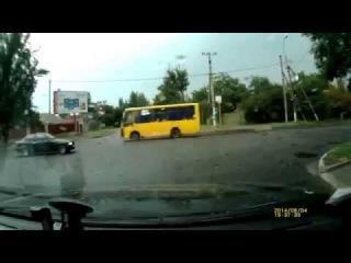 Придурки на двух БМВ в Омске